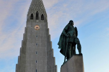 Statue ofLeifur Eiríksson