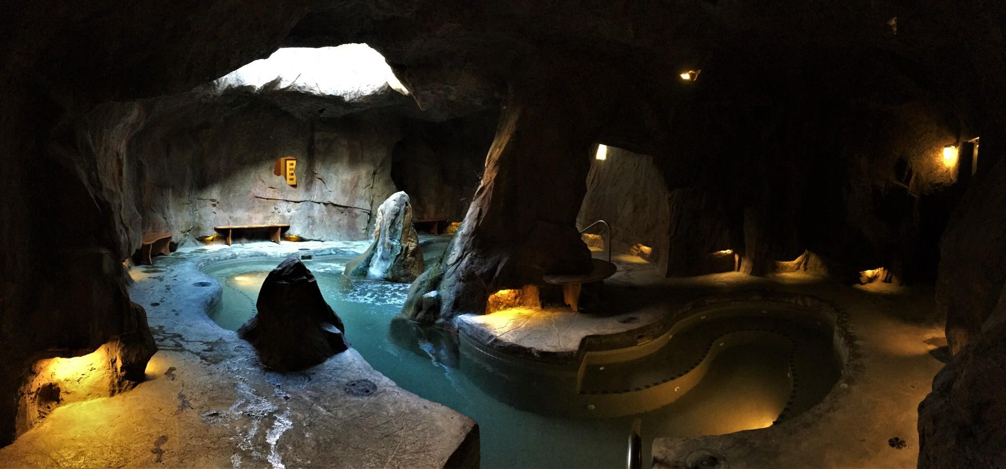 The Fox Hotel Jacuzzi Banff
