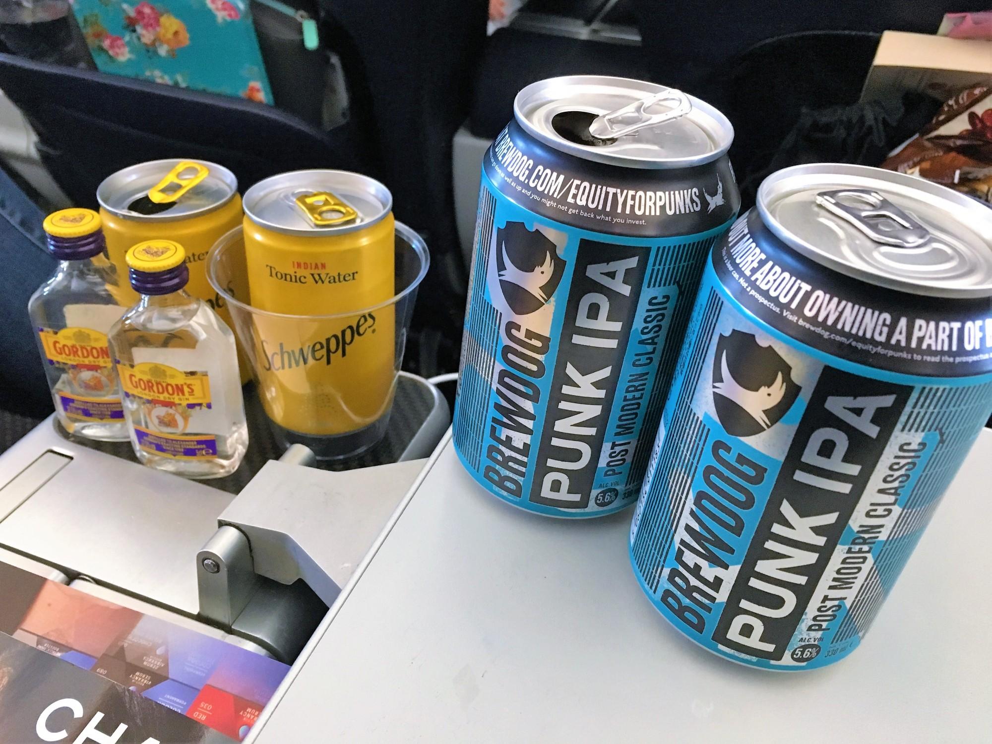 Drinks in TUI Premium on the Dreamliner