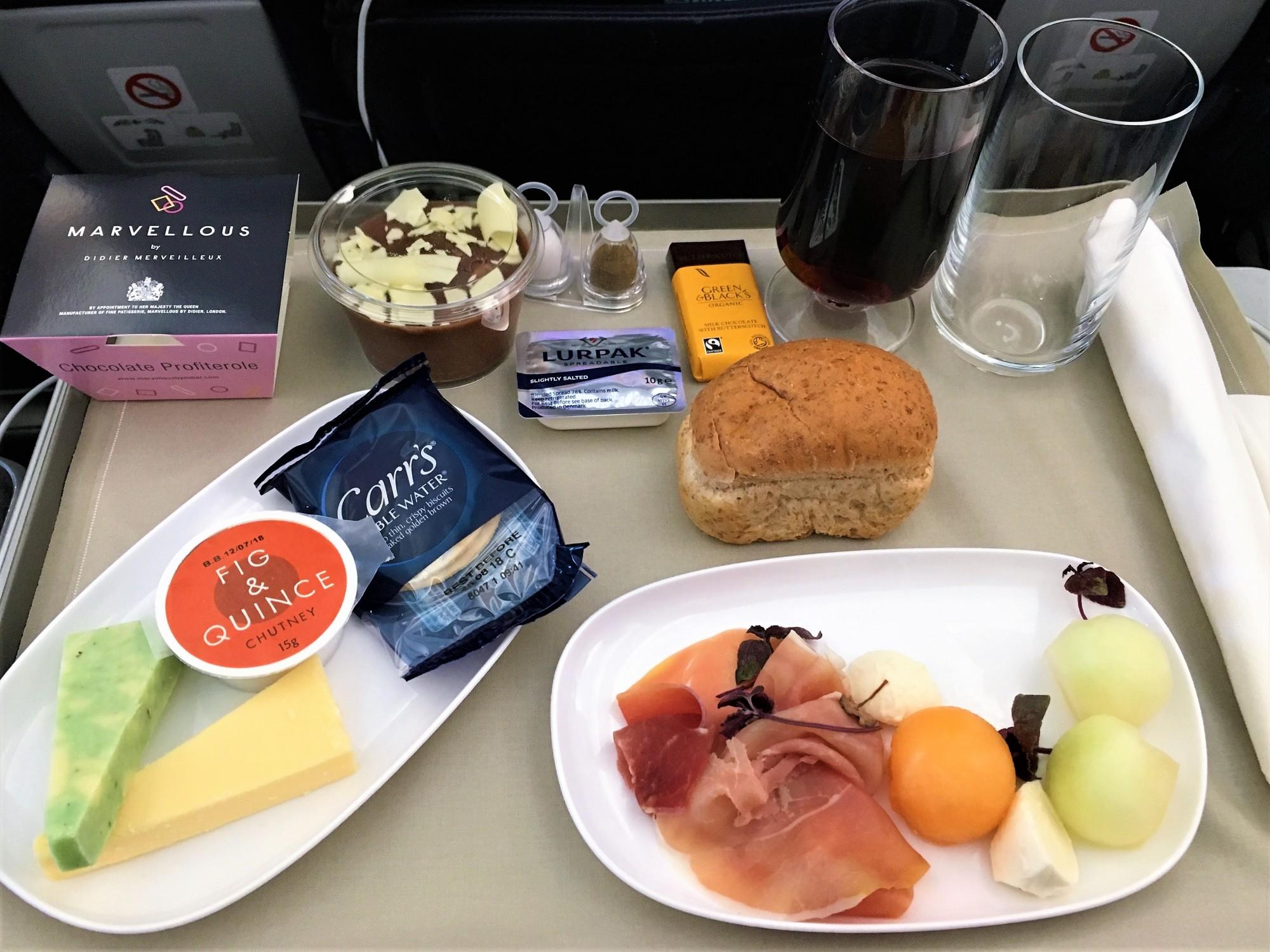 Food in TUI Premium on the Dreamliner