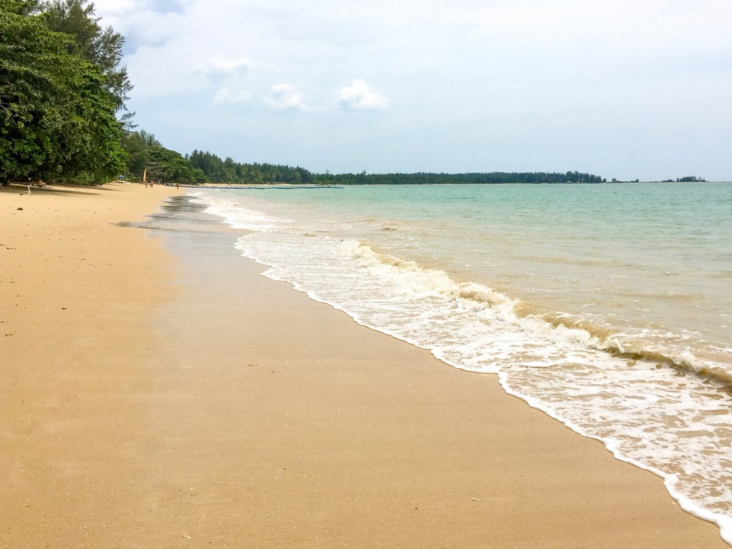 White Sand Beach (Ao Thong beach) in Khao Lak