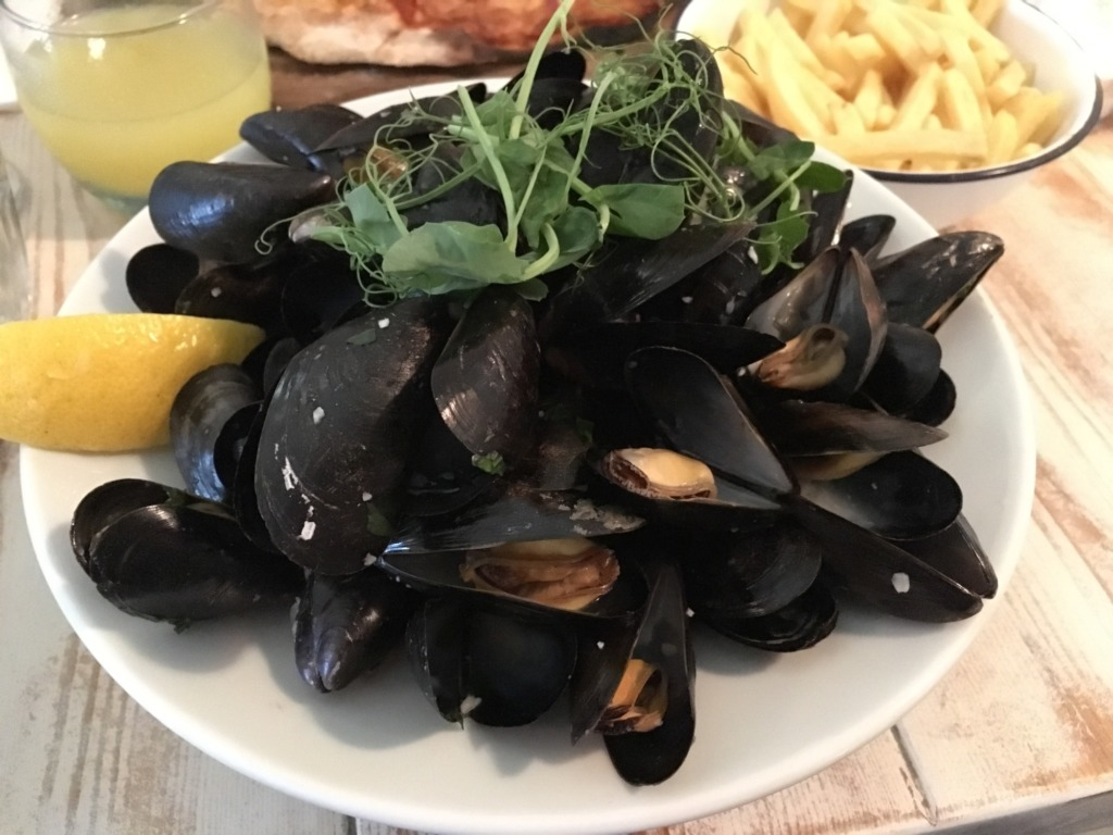 Steamed Mussels at Amelie's, Porthleven, Cornwall
